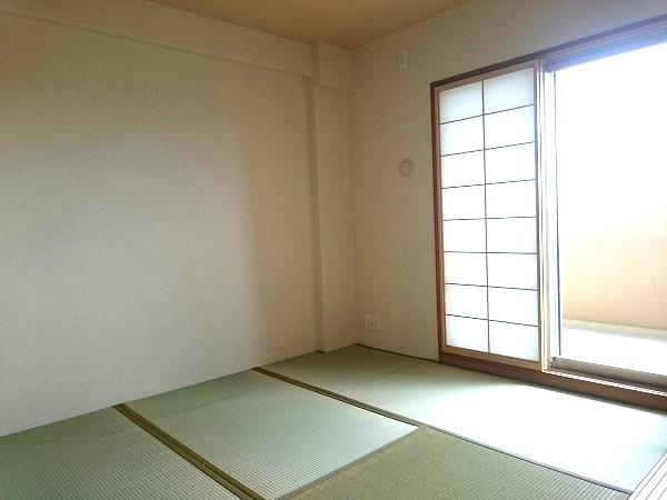 BELISTA東淀川大桐F棟1103号室和室