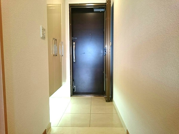 BELISTA東淀川大桐F棟1103号室玄関