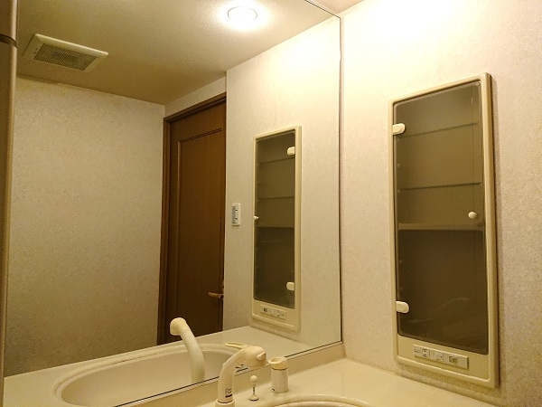 メロディーハイム池田五月山 202号室洗面室